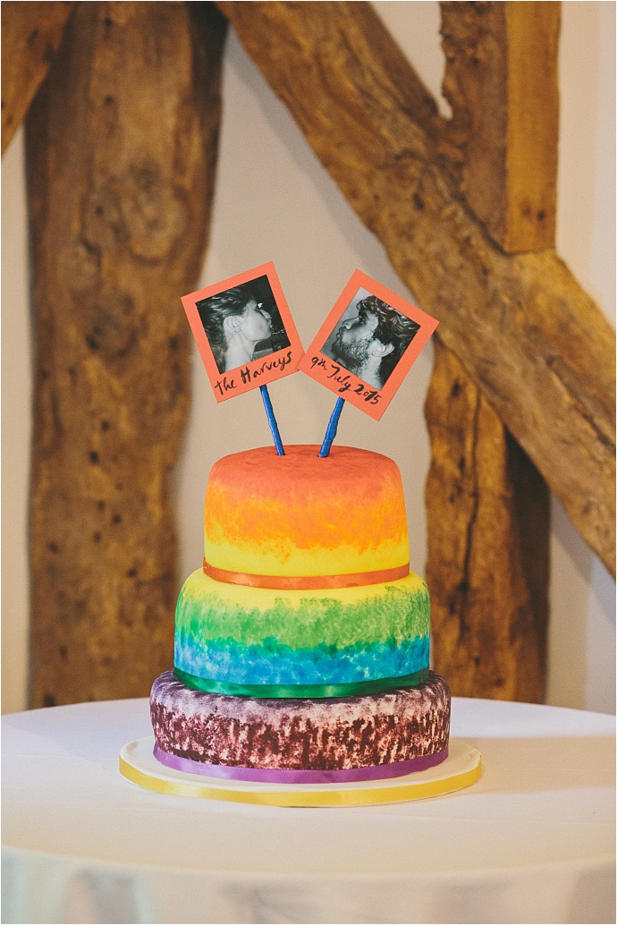 relaxed-multicoloured-barn-wedding_0009