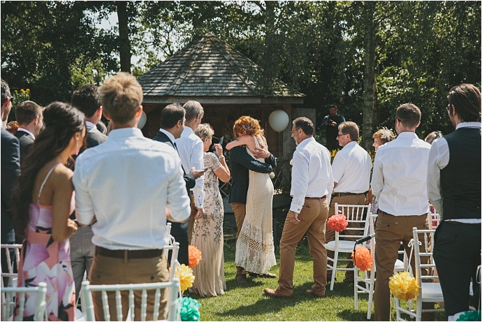 relaxed-multicoloured-barn-wedding_0028