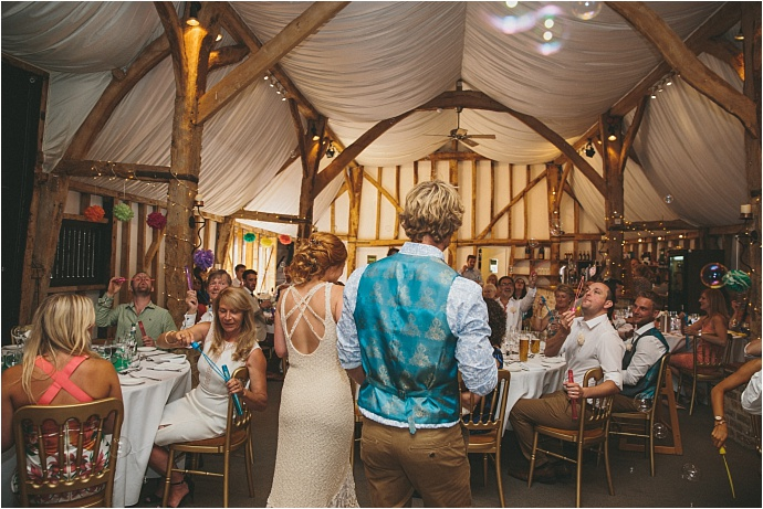 relaxed-multicoloured-barn-wedding_0044