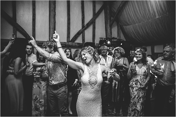 relaxed-multicoloured-barn-wedding_0055
