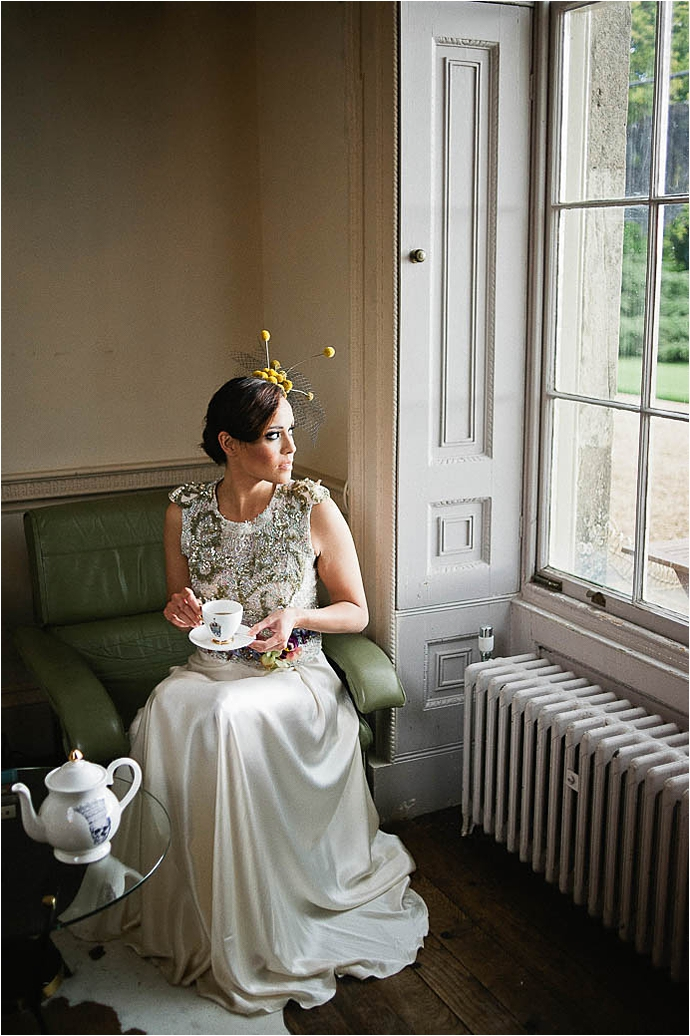 Cool, Rock n Roll Modern Bridal Shoot at Aynhoe Park_0057.jpg