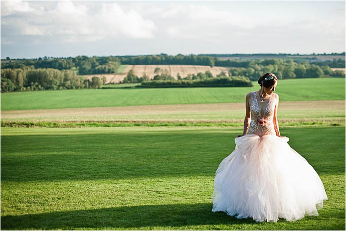 Cool, Rock n Roll Modern Bridal Shoot at Aynhoe Park_0068.jpg