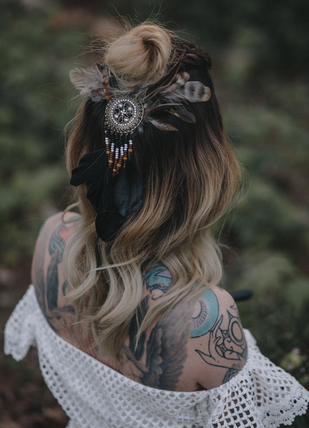 elopement ideas, elopement, bohemian hair, alternative bride, autumn wedding, bearded groom, bohemian wedding, Bridal shoot, candles, cool bride, daughters of simone, festival bride, forrest wedding, oudoor wedding, rock bride, rustic charm, sunset wedding, tattooed bride, tattooed groom, Wedding inspiration, woodland wedding