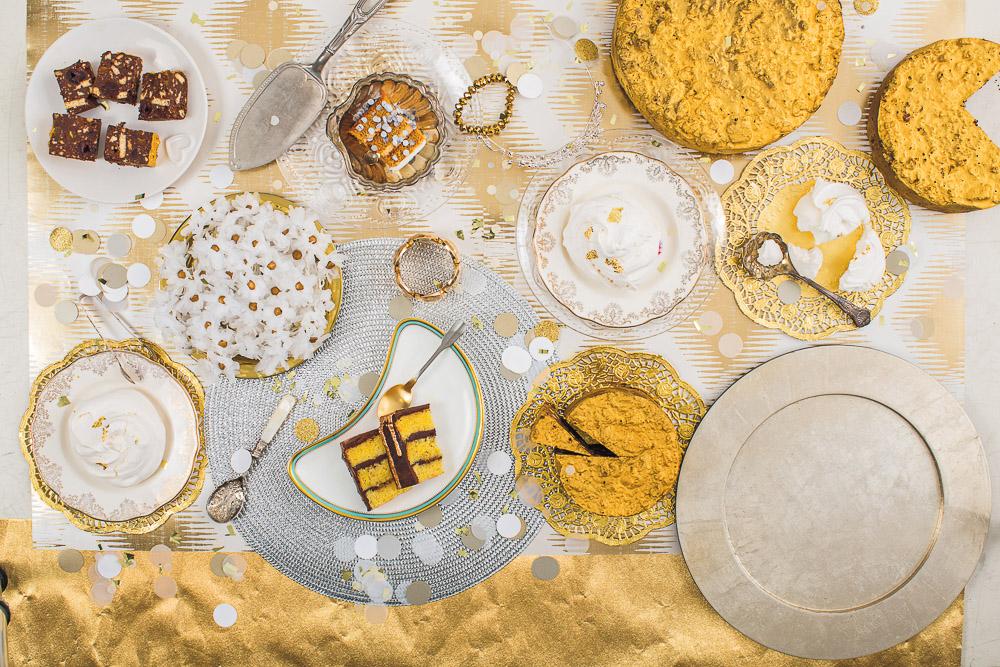 best chocolate wedding cake, chocolate cake, chocolate ganache cake, delicious cake recipe, gold cake, gold detailed cake, homemade cakes, Murdoch Books, Natasha Collins, Nevie Pie Cakes, The Homemade Wedding Cake, wedding cake tables, Weding cake recipe