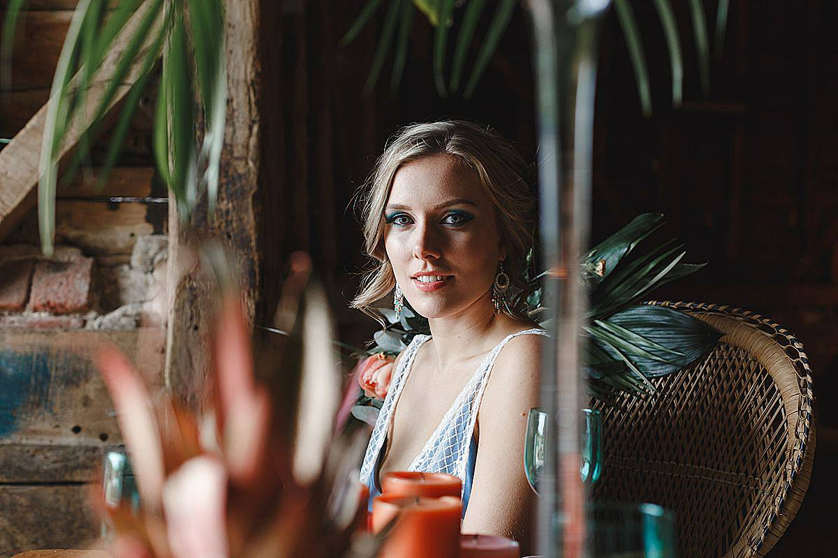 Twin Flames, Hannah Green Photography, Peach Tropical Shoot, Bold Wedding Decor, Neon Lighting, Colourful Wedding, Paradise Island Wedding, Tropical Flowers, Flower Stationary, Ombre Dresses, Confetti Balloons, Vibrant Colour Schemes, Modern Wedding Decor, Fun Wedding Decor, Palm Trees, Tropical Leaves, Vegan Wedding Cake, Vegan Wedding