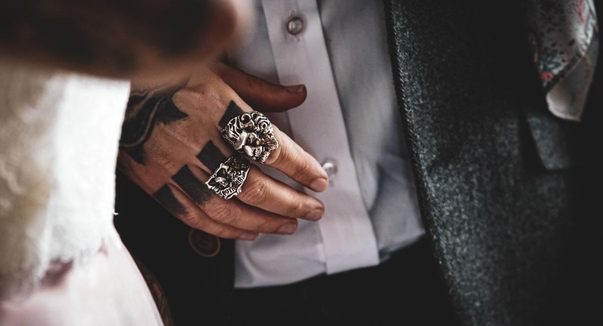 groom wedding rings