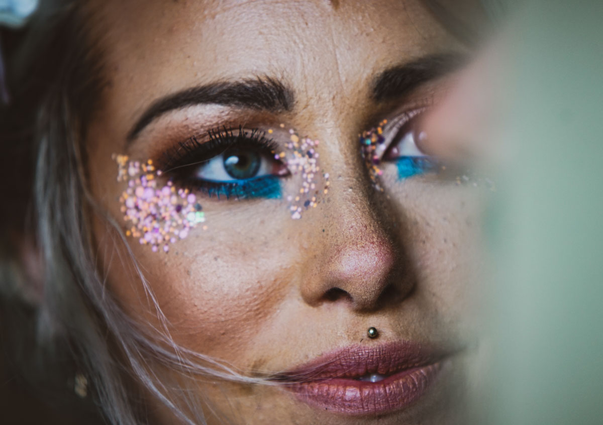 bride with glitter make up