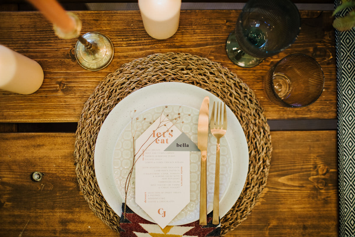 Bohemian Wedding Inspiration: Tabelscape and wedding stationery