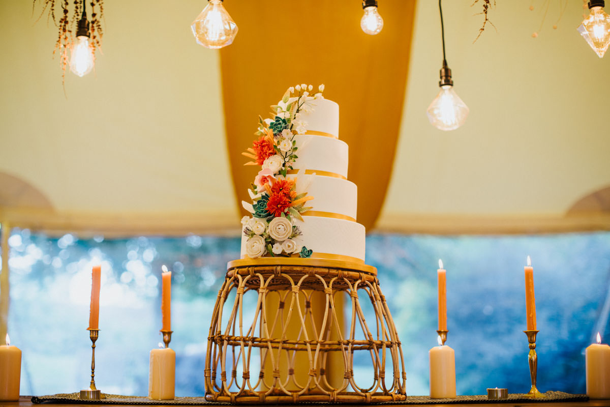 Bohemian Wedding Inspiration: Beautiful four tier wedding cake in Autumn colours