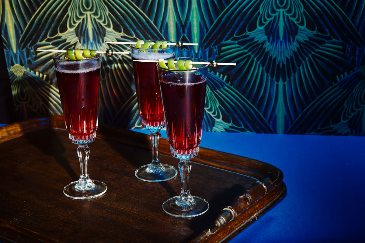 classic cocktail recipes, cocktail recipes, Cranberry and elderflower fizz, Festive cocktails, gingerbread spiced Clemintine Fizz, Hibiscus and lime fizz, Lucky pineapple, mobile bar, snowball, winter berry mojito