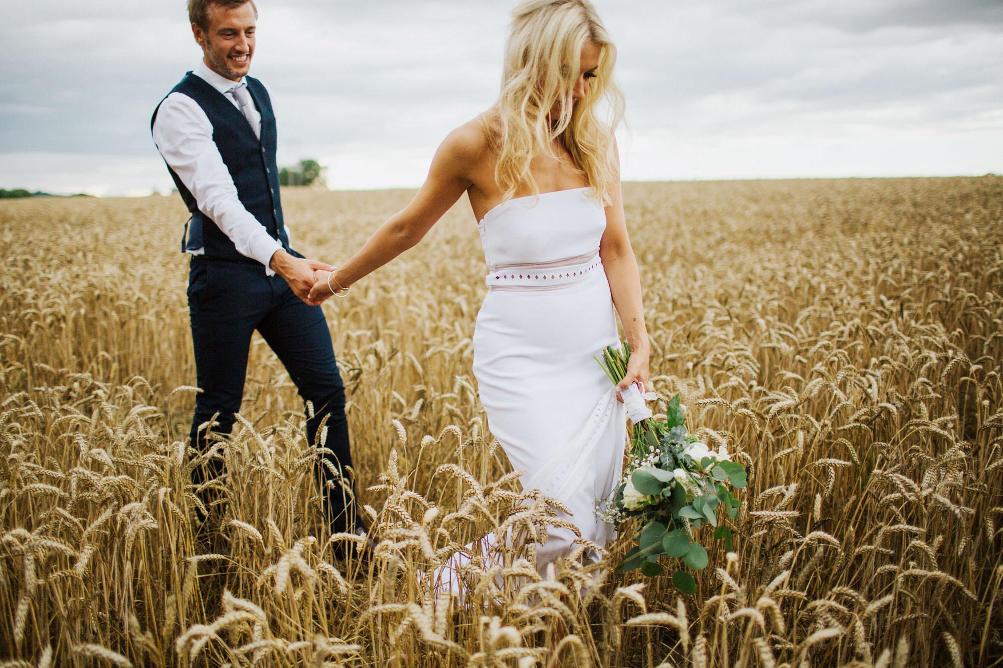 Binky Nixon - Storytelling, emotive wedding photography