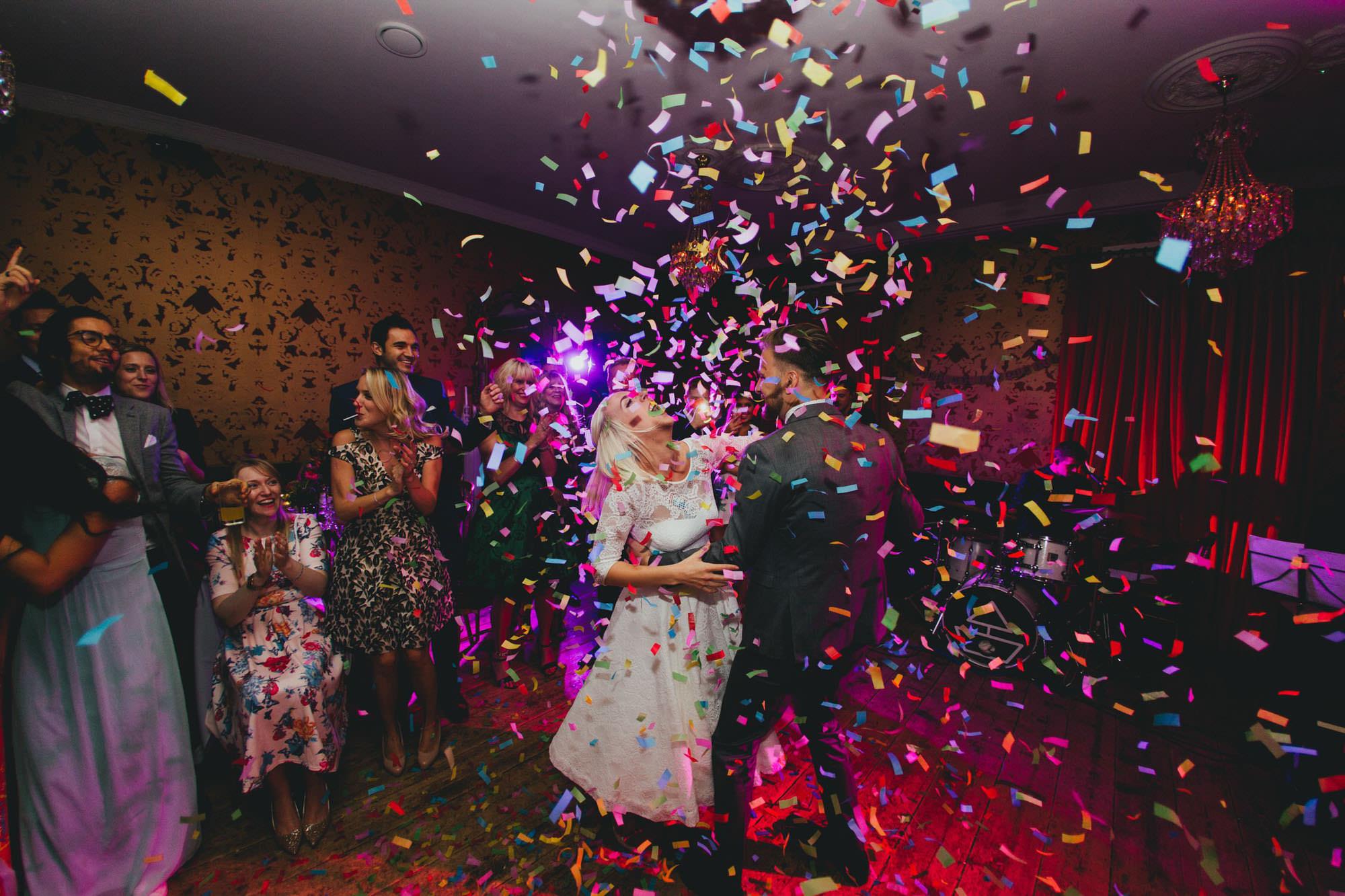 Dale Weeks Photography - Alternative, creative wedding photos